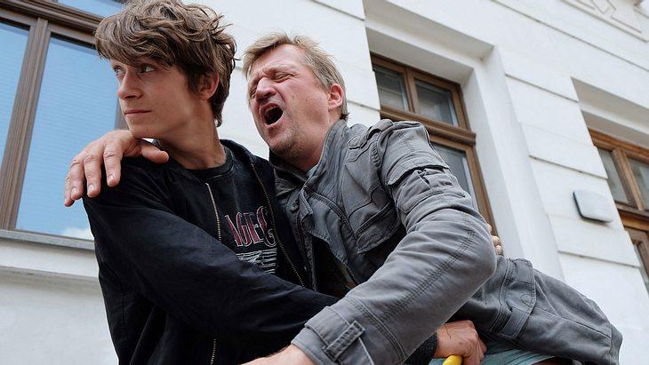 """""""In aller Freundschaft"""": Dramatischer Überfall mit schlimmen Folgen!"""