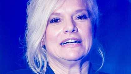 Ina Müller wurde in der 100. Folge Inas Nacht live abeschleppt! - Foto: Getty Images