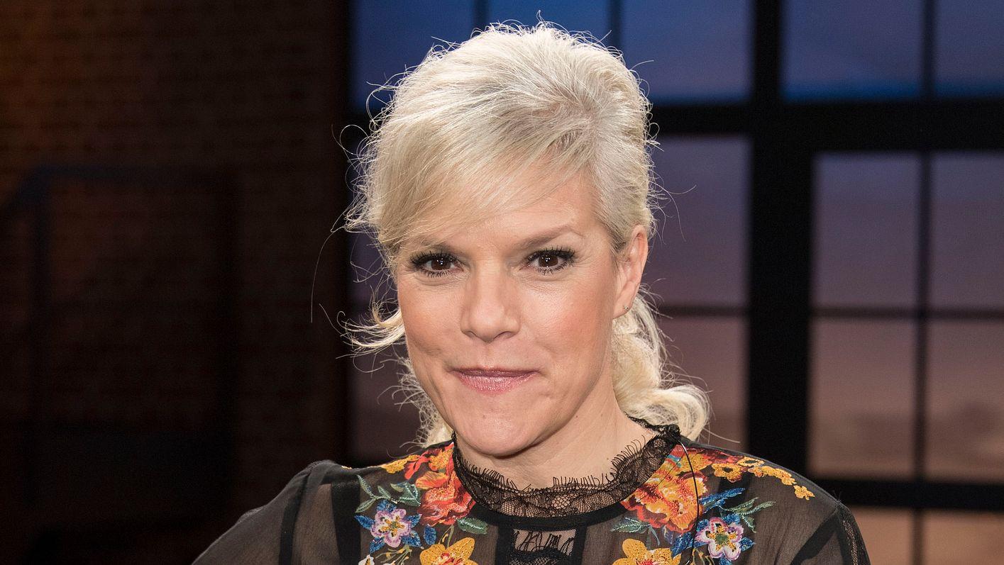 Ina Müller mit blonder Frisur heute