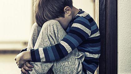 Inzest-Skandal: 10-Jähriger muss seine Mutter sexuell Befriedigen!  - Foto: iStock