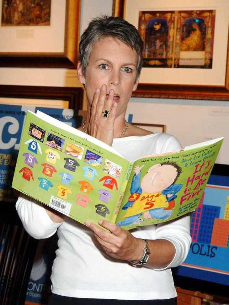 ... oder sie lesen aus Kinderbüchern vor wie Jamie Lee Curtis.