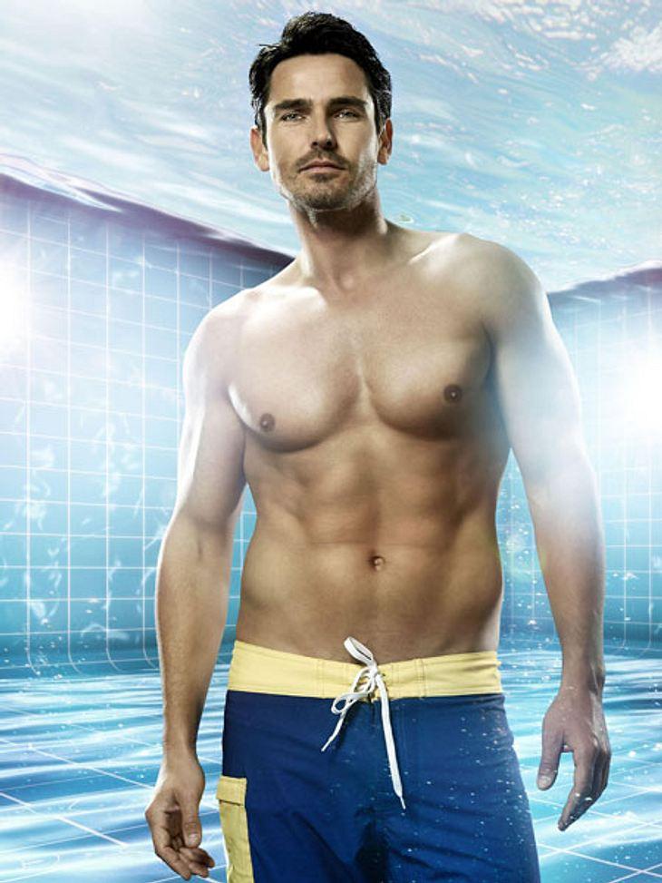"""Pool Champions: So heiß sind die Fotos der Promis!Oha! """"Bachelor"""" Jan Kralitschka (31) kann sich in Badehose wirklich sehen lassen."""