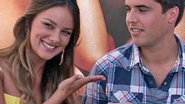 GZSZ-Schauspielerin Janina Uhse stellt ihren Freund vor - Foto: RTL / Facebook