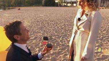 Peer macht Janni einen Heratsantrag - Foto: Janni & Peer...und ein Baby!, RTL II