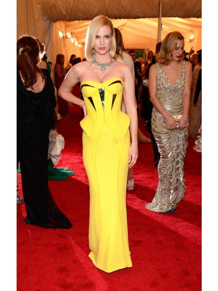 Met-Gala 2012: Die spektakulärsten Kleider des AbendsJanuary Jones (34) setzte auf Knallfarben. In der quietschgelben Versace-Robe war die Schauspielerin jedenfalls nicht zu übersehen.