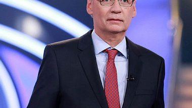 Wer wird Millionär?: Kandidatin fällt von 64.000 auf 500 Euro - Foto: RTL / Stefan Gregorowius
