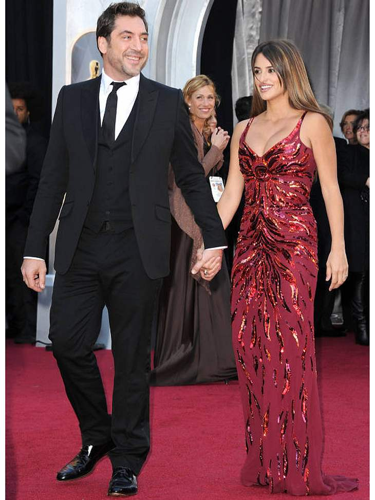 """Oscar-Verleihung 2011: Nur vier Wochen nach der Entbindung begleitet  Penelope Cruz ihren Ehemann zur Oscar-Verleihung. Er was als """"Bester Hauptdarsteller"""" nominiert."""