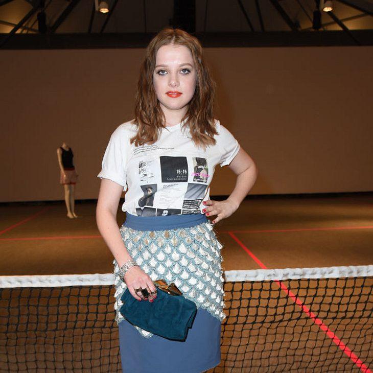 Jella Haase trägt nun einen Pixie-Schnitt