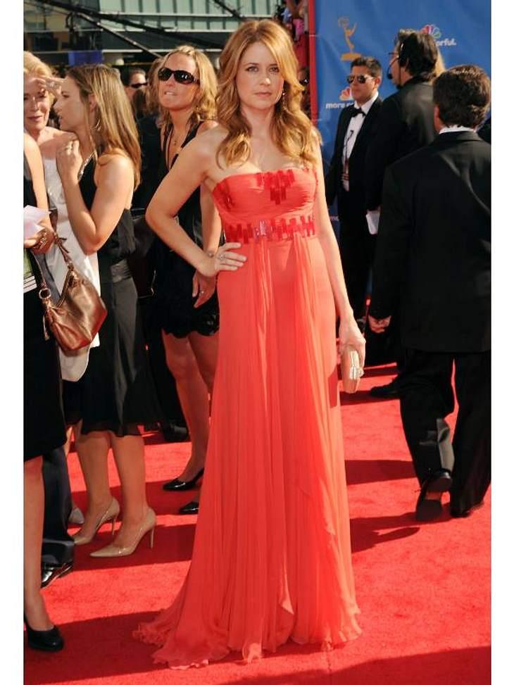 """Jenna Fischer(36, """"Das Büro"""") in einem Traum aus rotem Chiffon."""