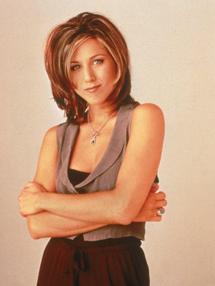 """Der Look von Jennifer Aniston,Jennifer Aniston ist bekannt für ihren schlichten und eleganten Look. Nur selten sieht man sie in knalligen Farben, sie besticht durch unaufdringliche Farben und trendige Schnitte. 2010 wurde sie vom """"Peop"""