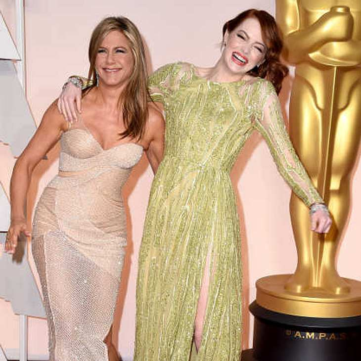 Oscar 2015: Jennifer Aniston und Emma Stone im Knuddel-Fieber!