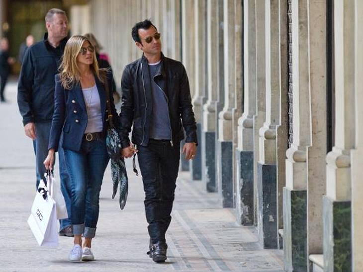Jennifer Aniston: Das beste Jahr ihres LebensIm Juni flogen Jennifer Aniston und Justin Theroux für einen romantischen Kurzurlaub nach Paris. Schon damals wurde spekuliert, ob er ihr einen Antrag in der Stadt der Liebe gemacht habe. Auch we