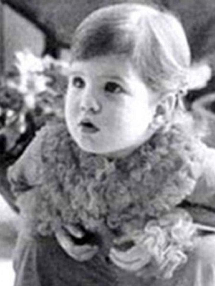 Die Kinderfotos der StarsOh, wie goldig die Kleine ist... Die Schauspielerin hat bis heute den Ruf des netten Mädchens von nebenan weg.
