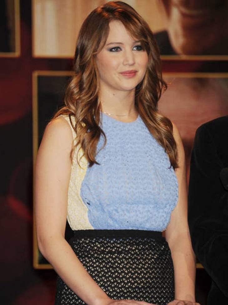 """Glücklich ohne Diät!Fünf Monate lang zwei Stunden sport täglich, dazu kein Brot oder Zucker: Für Jennifer Lawrence (21) war die Vorbereitung für """"X-Men: Erste Entscheidung"""" die Hölle auf Erden. Für ihre Rolle der Mystique durfte s"""