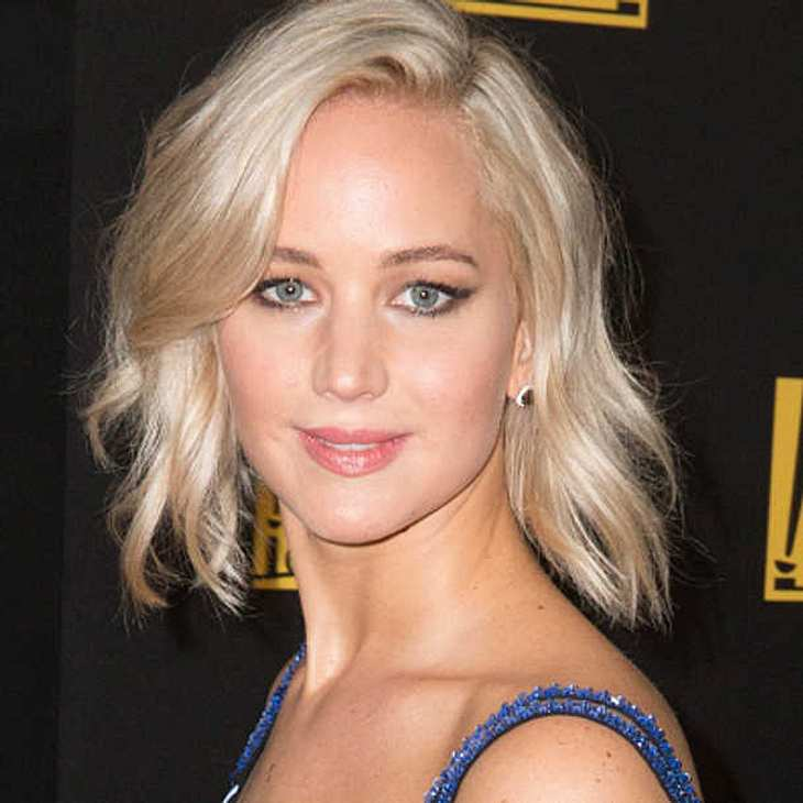 Jennifer Lawrence zickig Golden Globe