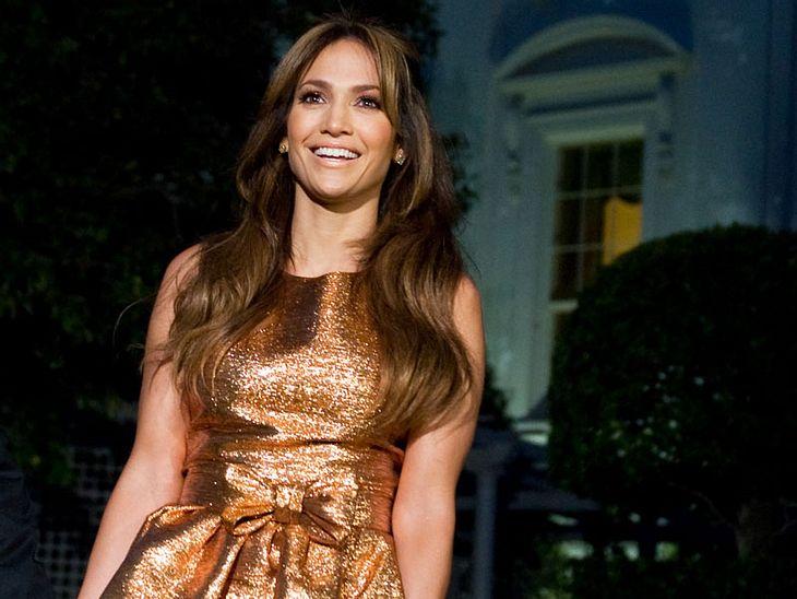 Jennifer Lopez oder Kirsten Dunst - wem steht das Outfit besser?