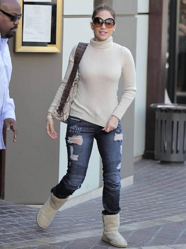 Wenn Jennifer Lopez es mal leger angeht, dann schlüpft sie in ihre UGGs.