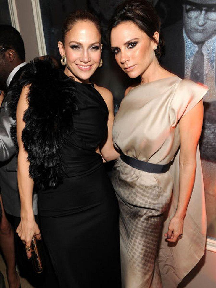 """Die Läster-Attacken der StarsGanz schön freche Verbal-Klatsche: """"Ihr Hintern ist nicht dick - er ist einfach nur fett!"""", stichelte Victoria Beckham (38) über J.Lo's Kehrseite. Der Grund für die Zicken-Attacke: Jennifer Lopez (42)"""