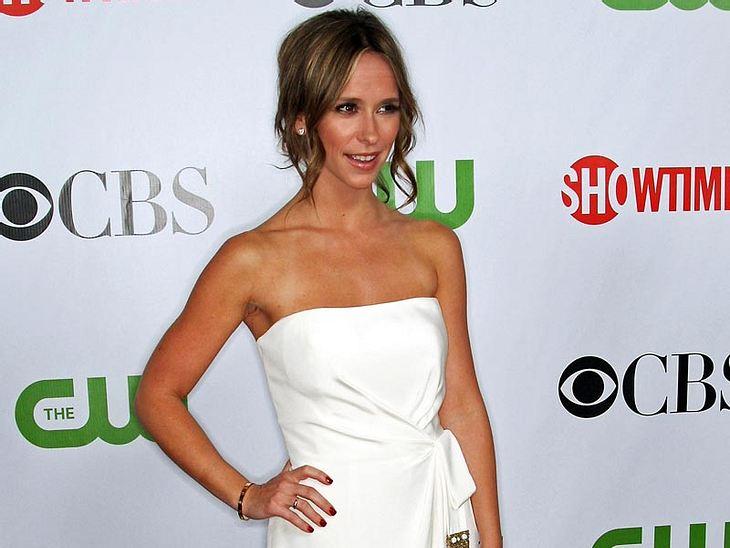 Jennifer love Hewitt oder Camille Guaty - wem steht das Outfit besser?