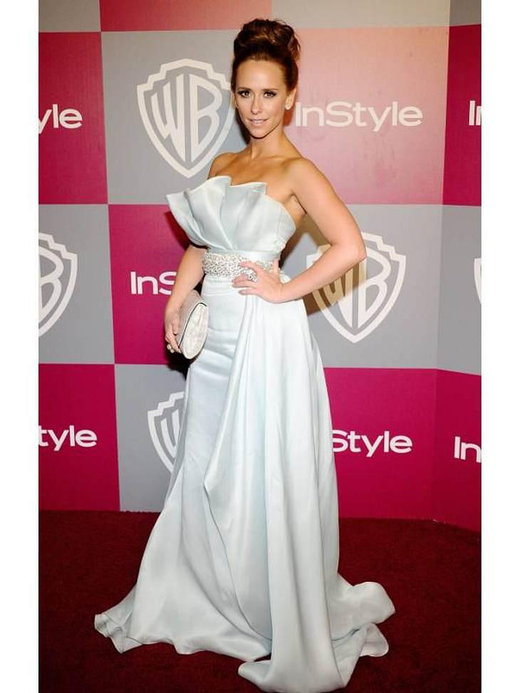 Die Luxus-Ballkleider der StarsDieses elegante Ballkleid von  Jennifer Love Hewitt ist vor allem für Frauen mit wenig Oberweite. Hier wird nämlich viel vorgetäuscht.