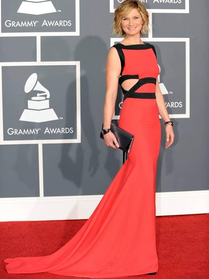 Victoria BeckhamSängerin Jennifer Nettles machte bei der Grammy Verleihung 2010 in einem Design von Victoria Beckham.