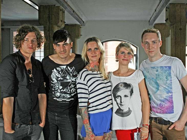 Wunderweib-Redakteurin Nadine traf Jennifer Rostock zum Interview.