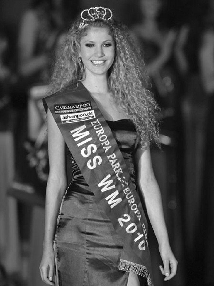 """Die Todesfälle 2012Der plötzliche Tod von Nachwuchs-Model Jennifer Scherman (†20) sorgte für Trauer und Entsetzen. Die Ex-""""Das perfekte Model""""-Kandidatin war an den Folgen einer verschleppten Grippe am 13. Oktober in Argentinien g"""