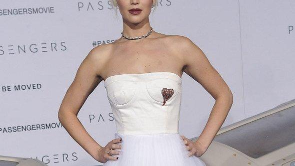 Jennifer Lawrence muss sich vor ihren Eltern für ihren Freund rechtfertigen - Foto: WENN.com