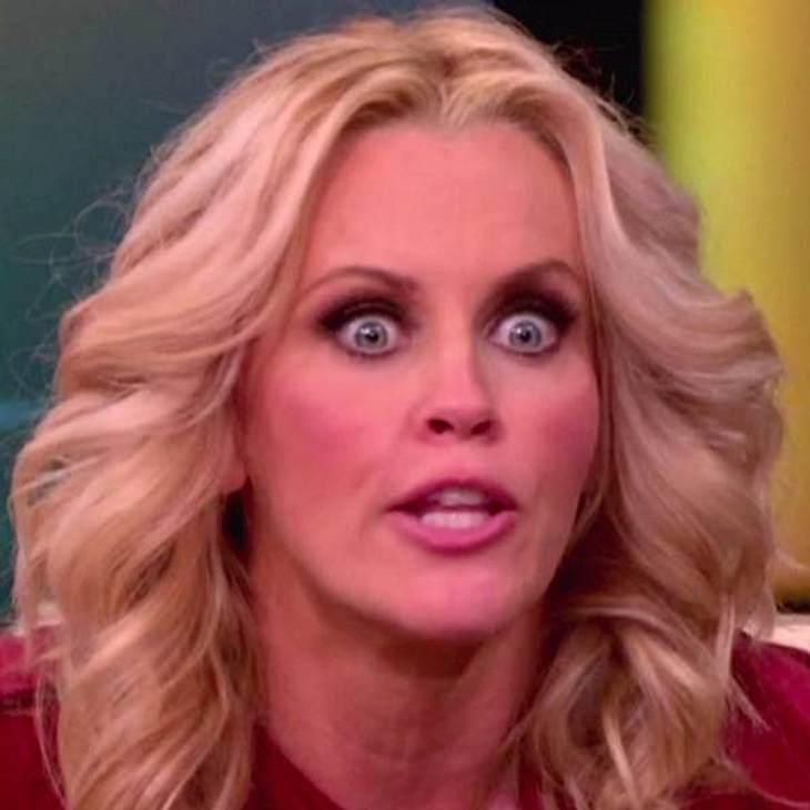 VIP-Grimassen: Einmal komisch gucken, bitte!Wahnsinniger Blick Nummer zwei von  Jenny McCarthy: Wen sie hier wohl hypnotisieren will?