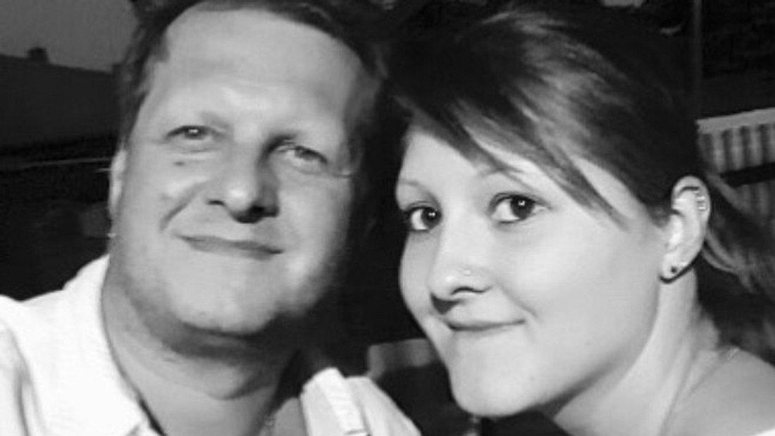 Jessica Büchner verabschiedet sich von ihrem Papa Jens
