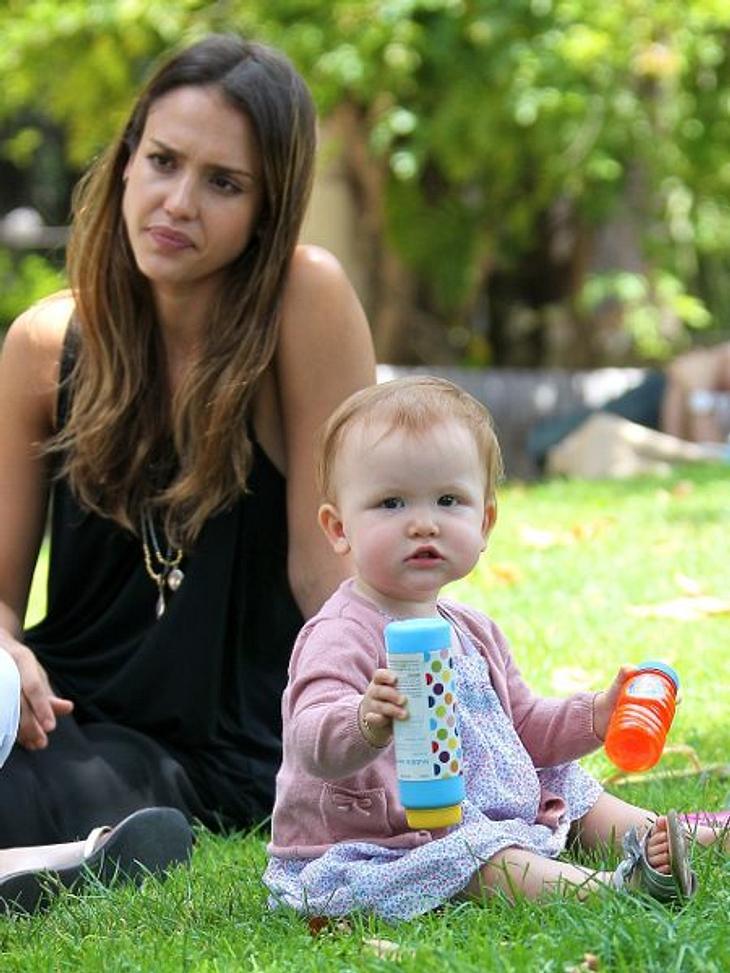 Die süßesten Promi-KinderWoher Haven Garner Warren die roten Haare hat, ist nicht bekannt. Von Mutti Jessica Alba (31) auf jeden Fall nicht.