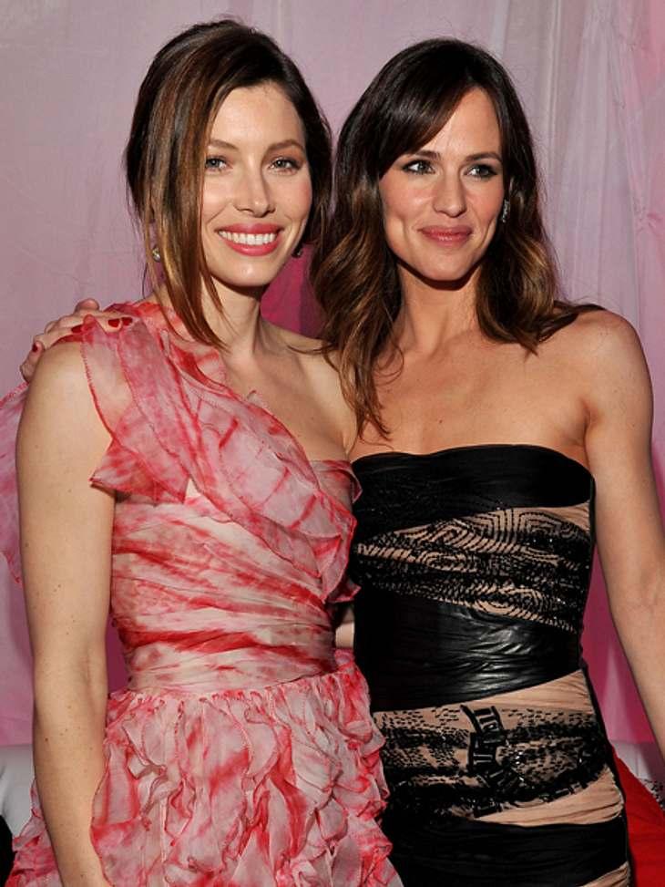 """Promi-BFFs - Durch dick & dünnEine beste Freundin hat Jennifer Garner (40) mit Jessica Biel  (30) aber auch. Angefreundet haben sich die Schauspielerinnen während der Dreharbeiten zu """"Valentinstag"""". """"Wir arbeiten in unser"""