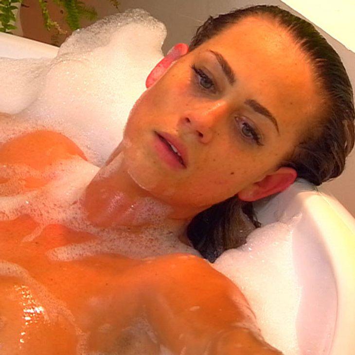 Jessica Paszka - Nackt in der Basewanne