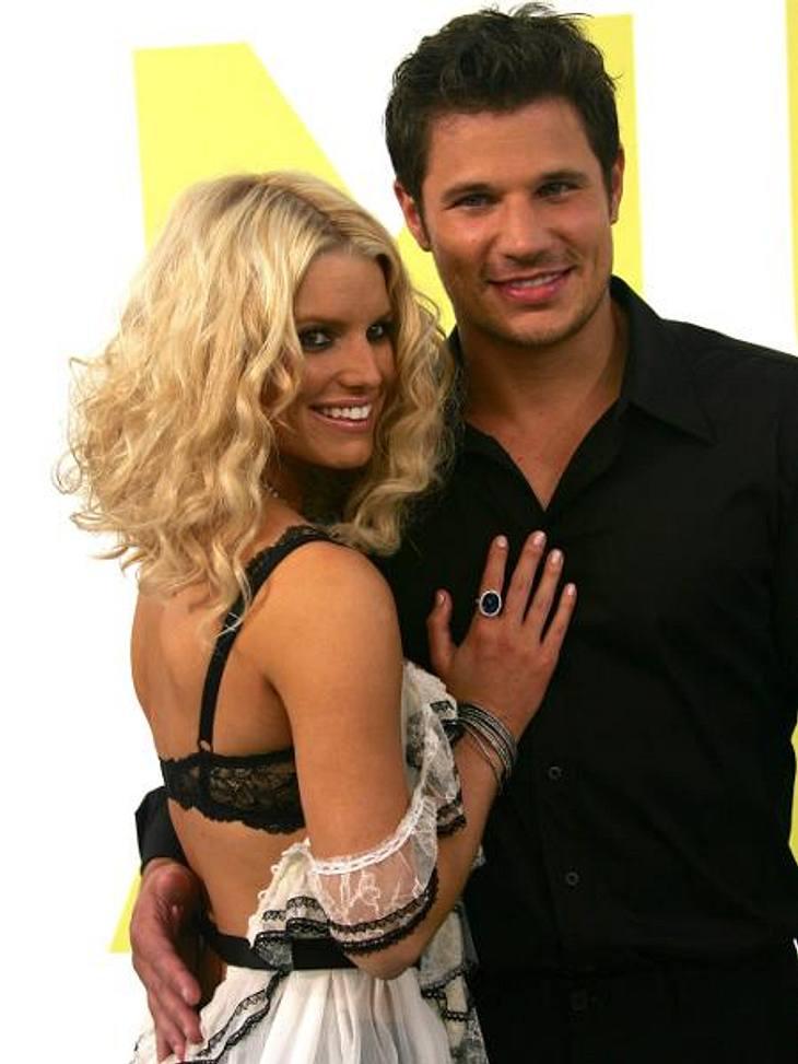 """Früh geheiratet, früh geschieden: Hollywoods jüngste BräuteJessica Simpson (31) und Nick Lachey (38) gaben sich 2003 öffentlichkeitswirksam das Ja-Wort. In ihrer MTV-Reality-Show """"Newlyweds"""" ließ die damals 22-Jährige die ganze We"""