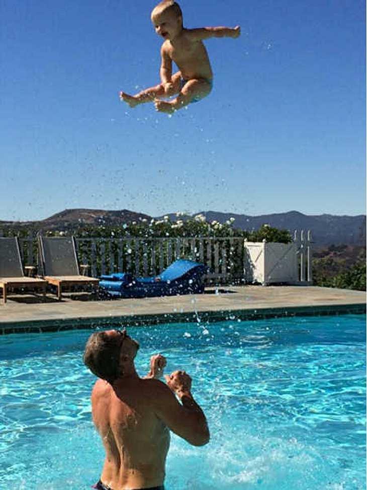 So sieht es aus, wenn Jessica Simpsons Sohn fliegen lernt.