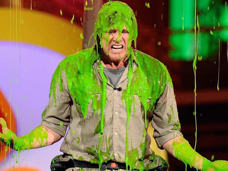 Kids Choice AwardsAuch  Jim Carrey musste die fiese Dusche ertragen.