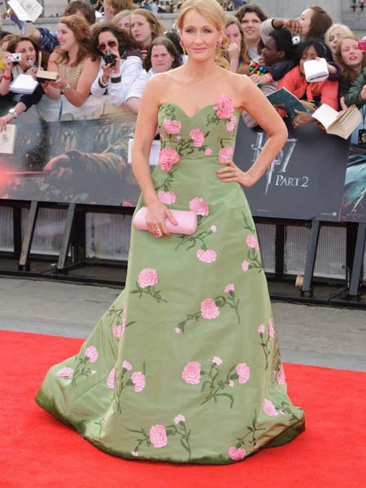 """Star-Style: Die größten Fashion-Fiaskos im JuliFlower-Fiasko """"Harry Potter""""-Erfinderin Joan K. Rowling sieht aus wie eine überdimensionierte Blumenwiese."""
