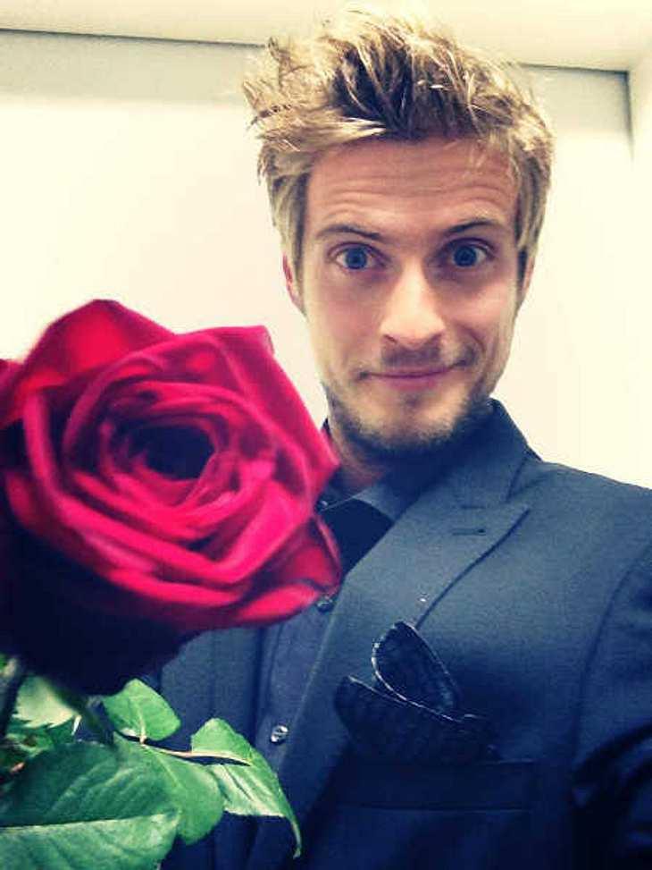 Jörn Schlönvoigt: Eine Rose für seine Fans!