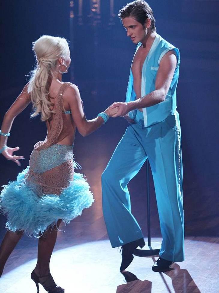 """Let's Dance,Lateinamerikanische Tänze waren diese Woche angesagt! Das bedeutete: Die Stars mussten sich vor allem im Hüftbereich anstrengen!""""GZSZ""""-Star Jörn Schlönvoigt (24) scheiterte am Rumba zu """"Feel"""" von Robbie Willi"""