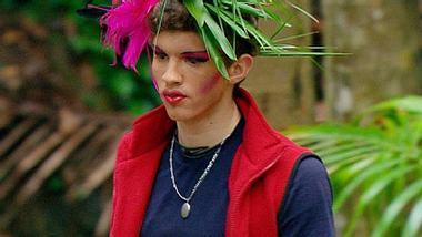 Joey Heindle mit Make-Up zu Joana