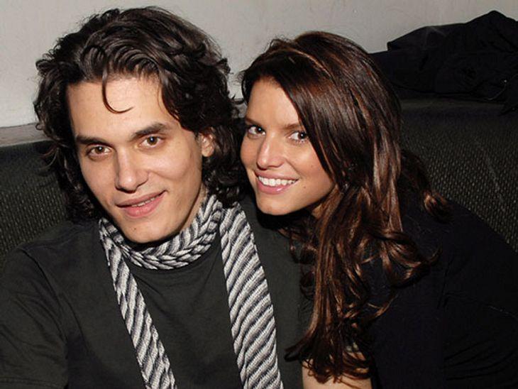 """John Mayer - Der Womanizer HollywoodsMit Jessica Simpson (32), damals noch brünett, war der Sänger - mit Unterbrechungen - ungefähr zehn Monate liiert. Dem """"Playboy"""" gab er 2010 ein Interview und plauderte - vier Jahre nach Bezieh"""