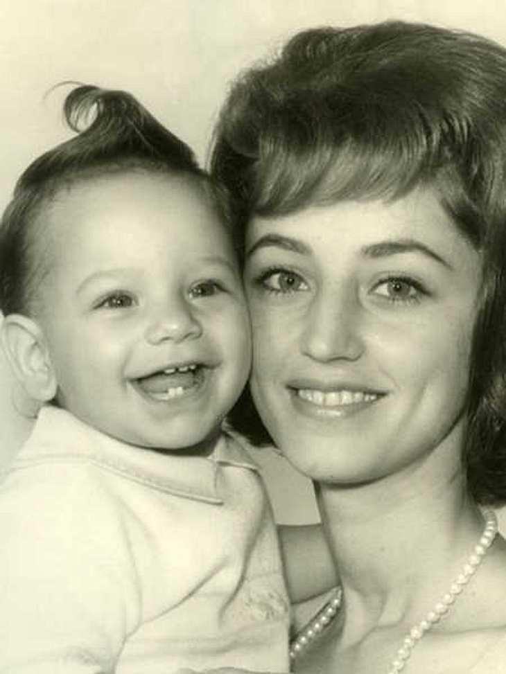 John Stamos trauert um seine Mutter.