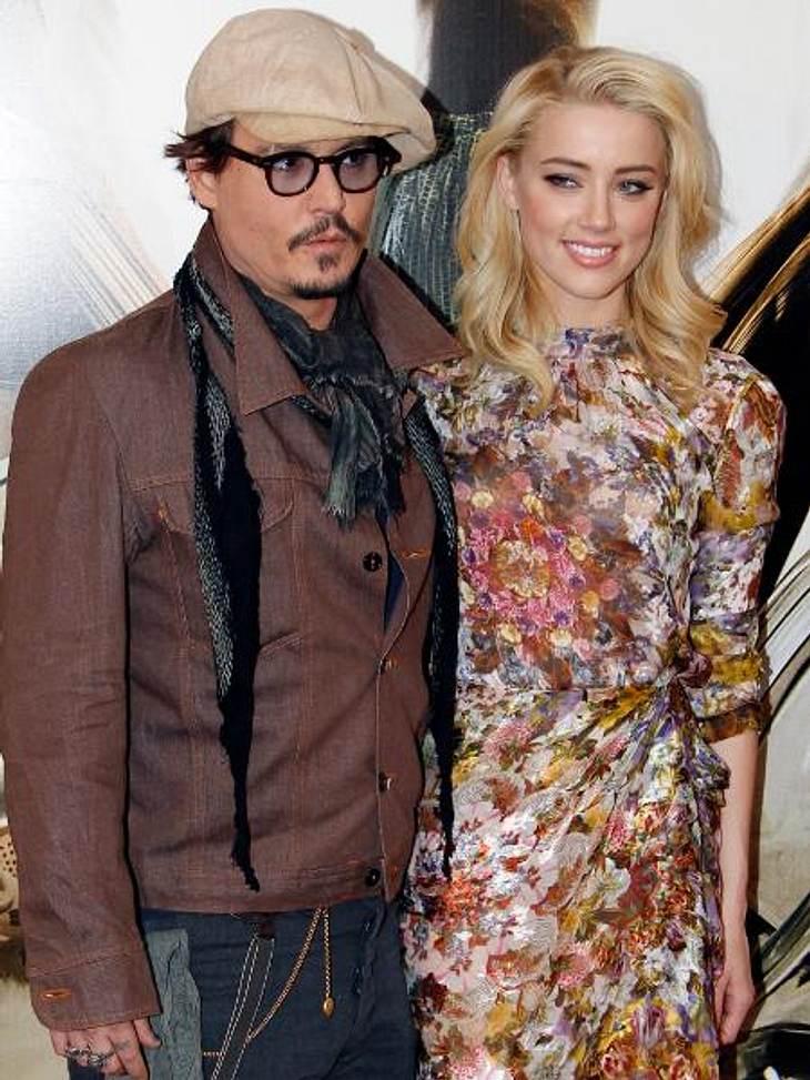 Die Sommerlieben der StarsDie Stars sind ja mitunter recht fix darin, sich neu zu verlieben. Bestes Beispiel: Johnny Depp (49).Keine zwei Wochen sind vergangen, seit er seine Trennung von Vanessa Paradis (39) bekannt gab. Jetzt hat sich der