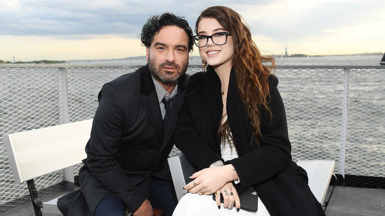 Johnny Galecki und Alaina Meye
