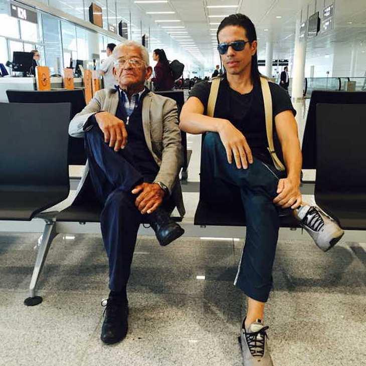 Jorge Gonzalez zeigt auf Facebook seinen coolen Vater!