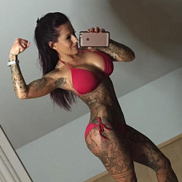julia pink nackt fussfetisch berlin