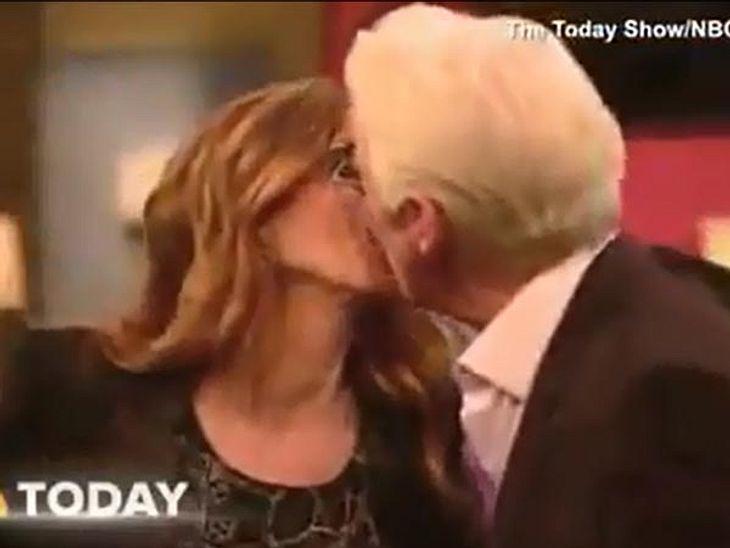 Julia Roberts und Richard Gere küssen sich vor Freude freundschaftlich