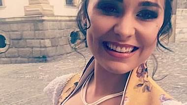 Bachelor-Julia Anna Friess: Sie hat sich verlobt! - Foto: Facebook / Julia Anna Friess