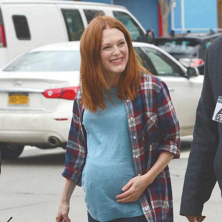 Julianne Moore zeigt sich ganz schön schwanger!