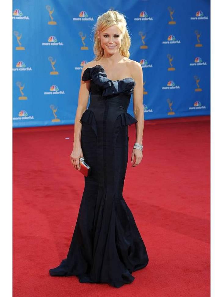 """Auch Julie Bowen (40, """"Modern Family"""", """"Boston Legal"""") ließ den schwarzen Klassiker im Schrank und griff zu Blau."""